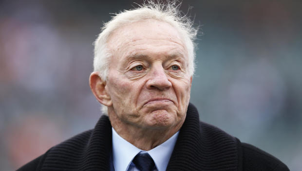 jerry_jones_158028103_620x350